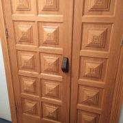 Дубовые тамбурные двери