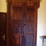 Дори «ракушка» на старинных антикварных дверях